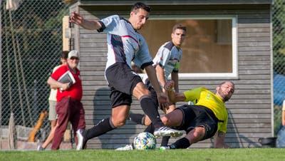 Appenzell (weiss) und Heiden (gelb) kämpfen in der 3.-Liga-Gruppe 2 gegen den Abstieg. (Bild: PD)