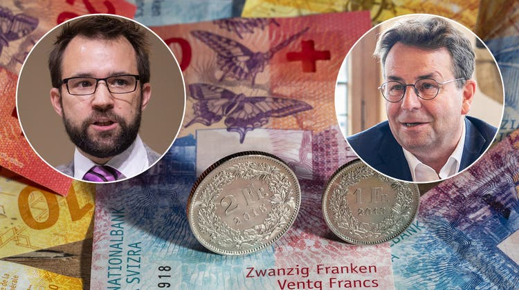 FDP-Parteipräsident Titus Meier (links) und Fraktionspräsident Willi Wengi haben die Leitsätze für eine Finanzstrategie vorgestellt. (Bild: Britta Gut/Keystone)