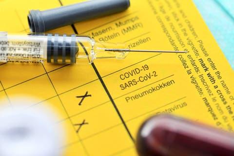 Bei den Impfausweisen herrscht international ein Potpourri an Lösungen.