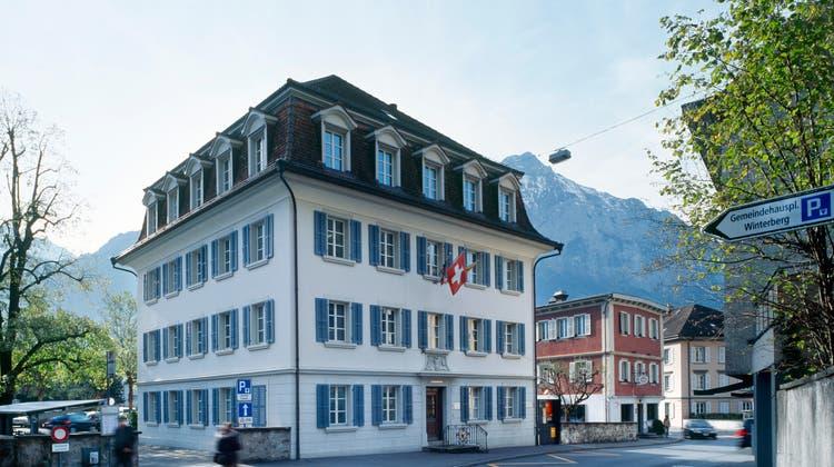 Wo die Schweiz politisch noch ein bisschen wie früher ist: Gemeindehaus Altdorf. (Keystone)