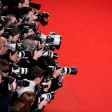 Soll es dieses Jahr endlich wieder geben: Den rote Teppich von Cannes. (Foto: Sebastien Nogier / EPA)