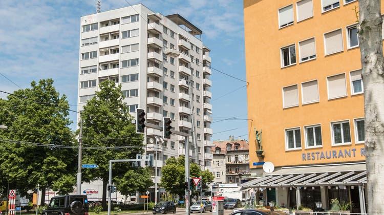 15,2 Millionen Franken kostet die Totalsanierung des Hochhauses am Hochbergerplatz 1. (Nicole Nars-Zimmer)