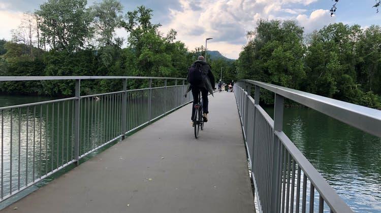 Der Zurlindensteg in Aarau kommt längst an seine Kapazitätsgrenzen. (Katja Schlegel / Aargauer Zeitung)
