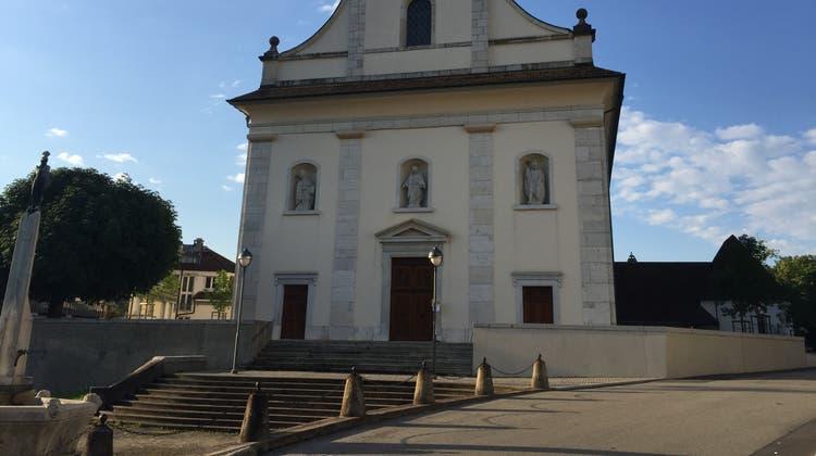 Die Umgebung der Eusebiuskirche wurde neu gestaltet. (Peter Brotschi)