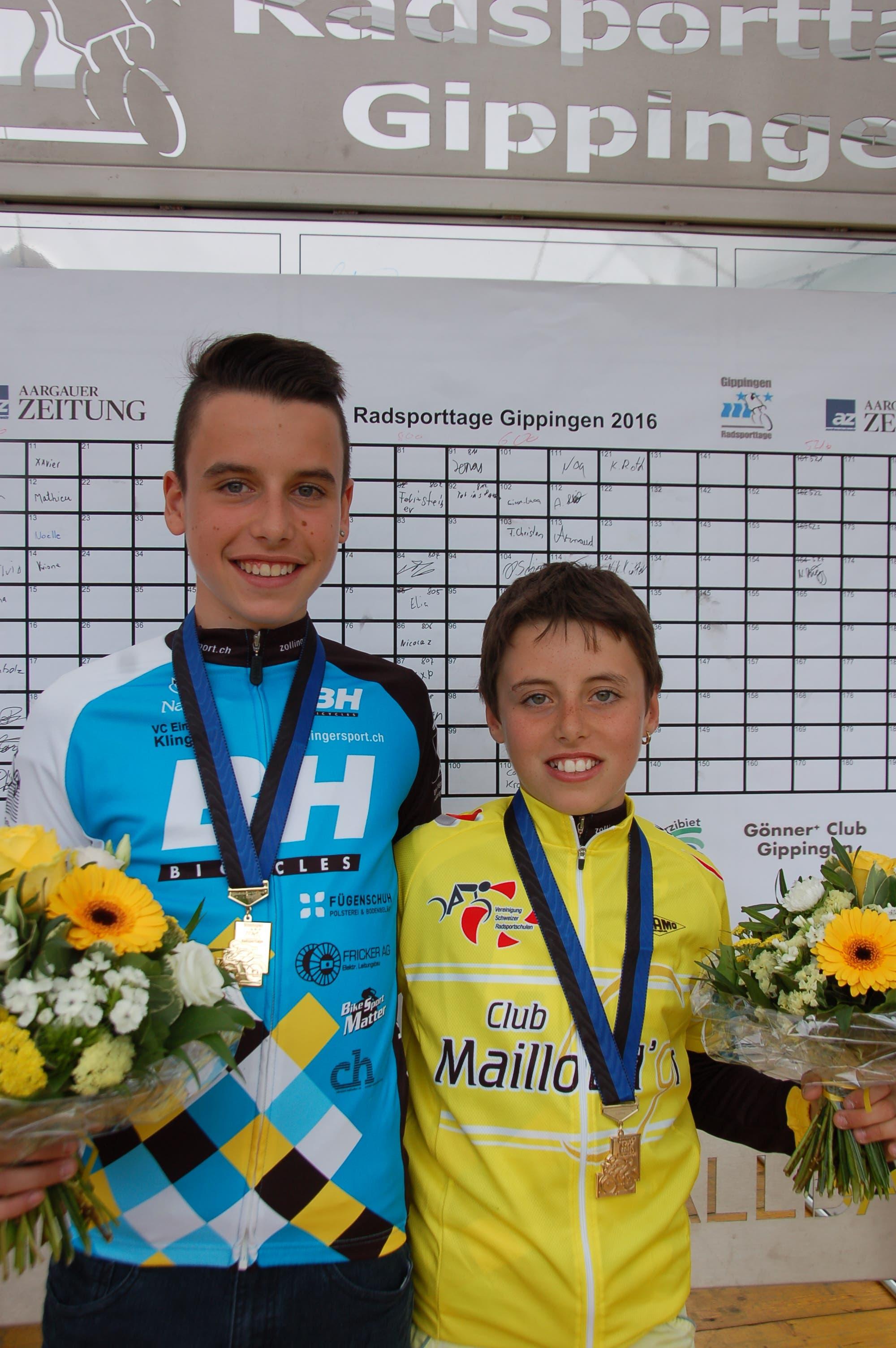 Fabio Christen und sein jüngerer Bruder Jan mit Medaille an den Radsporttagen Gippingen 2016.