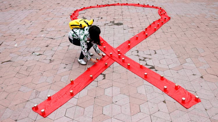 Vor 40 Jahren wurde erstmals über Aids berichtet. Nun will die Aids-Hilfe Schweiz eine neue Medien- und Informationskampagne starten. (Keystone)