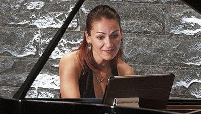 Wie der Phönix aus der Asche: Maria Radutu zeigt eine meisterliche Lebensreise am Piano
