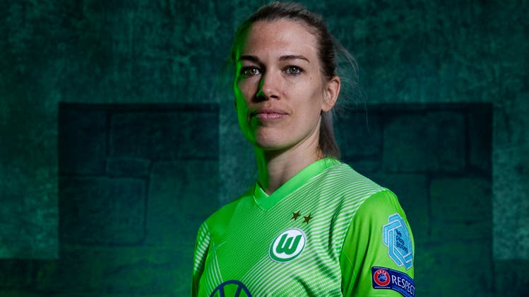 Lara Dickenmann streift am Sonntag zum letzten Mal das Trikot Wolfsburgs über. (Boris Streubel/ Getty (Wolfsburg, 18. März 2021))