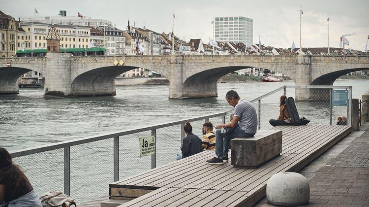 Wie weit geht öffentlicher Raum? Bild von der Rheinterrasse. (Roland Schmid)