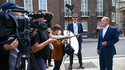 Die G7-Finanzminister nach der Einigung in London. (Bild: Andy Rain / EPA)