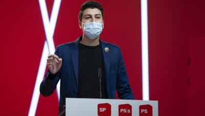 SP-Nationalrat Fabian Molina will den Bundesrat mittels Motion zu Beitrittsverhandlungen mit der EU zwingen. (Keystone)
