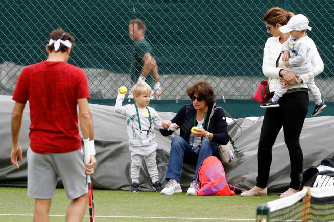 It is still unclear whether the Roger Federer family will be able to accompany Roger Federer to Wimbledon like here in 2016.