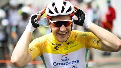 Kann gut lachen: Stefan Küng behält gelb. (Gian Ehrenzeller / Keystone)