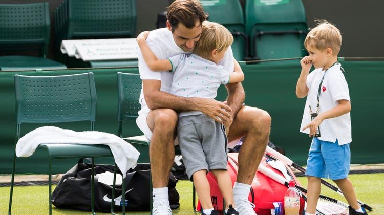 Roger Federer blickt bereits nach vorne. In Richtung Wimbledon. (Ian Langsdon / EPA)