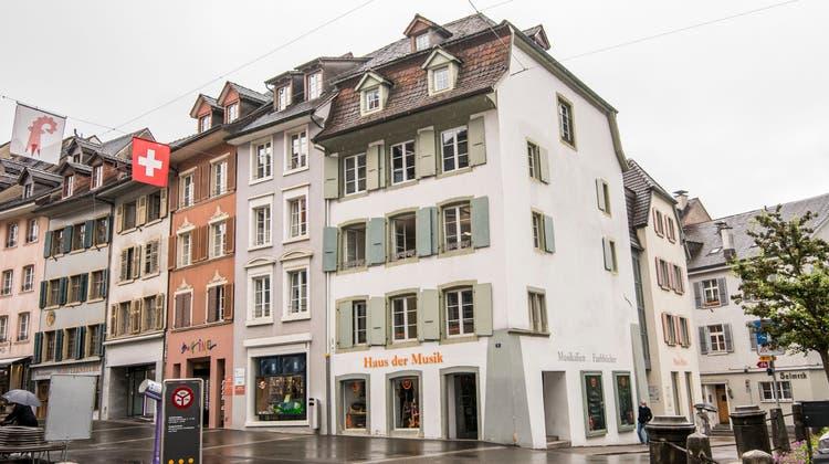 Das Haus der Musik an der Rathausstrasse: Eines der fünf Häuser, das Seckinger erworben hat. Zuvor haben vier der Gebäude Nicolas Manzi gehört. (Nicole Nars-Zimmer)