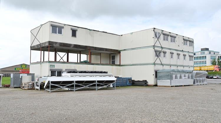 Von 2007 bis 2017 standen die Container in Bern als Inselspital im Einsatz. Seit vier Jahren stehen sie wieder in Härkingen. (Bruno Kissling)