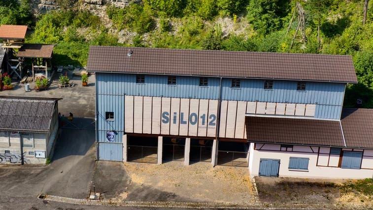 Der stillgelegte Steinbruch beim Silo12 wird für «Hauenstein» zur Theaterkulisse. (Bild: zvg)