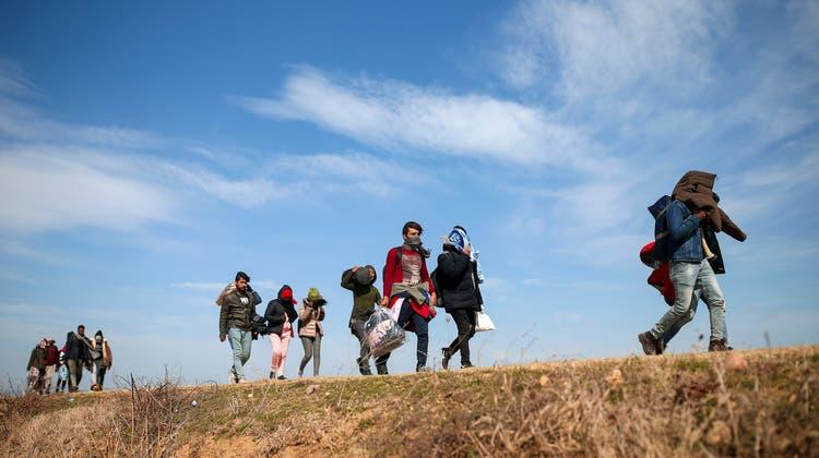 Mit demUNO-Migrationspakt soll die internationale Zusammenarbeit im Bereich grenzüberschreitender Migration verbessert werden. (Symbolbild) (Keystone)