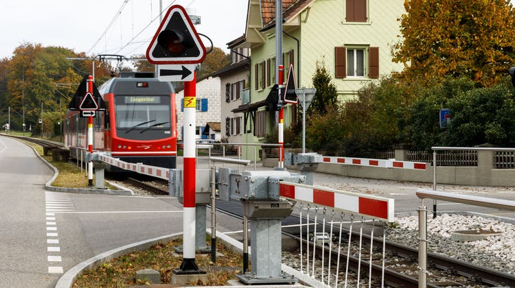 Einige Strassenmarkierungen in Feldbrunnen-St. Niklaus sollen verbessert werden. (Hanspeter Bärtschi / SZ)