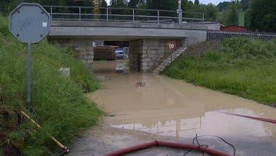 Für die Sitter gilt bereits seit Montagmorgen eine Hochwasserwarnung. (Symbolbild: Keystone)