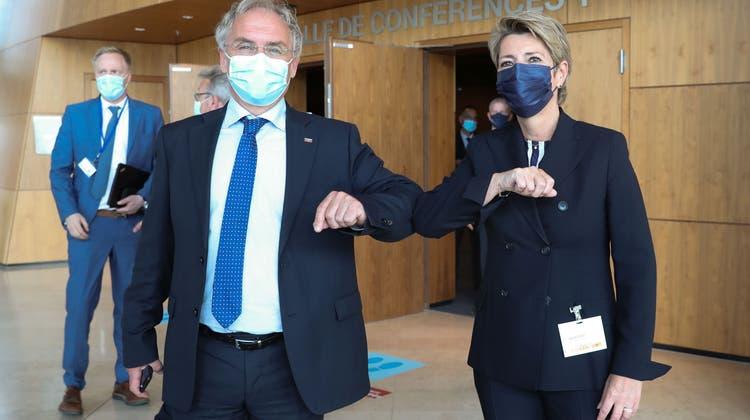 Karin Keller-Sutter mit dem Slowenischen Innenminister Ales Hojs. (Enzo Zucchi)