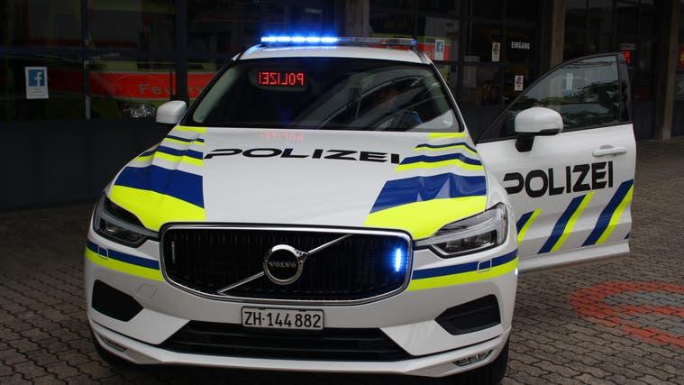 Bald wieder zu zweit im Polizeiauto: Die Gemeindepolizei wird im August mit Jürg Kieliger komplettiert. (Sibylle Egloff)