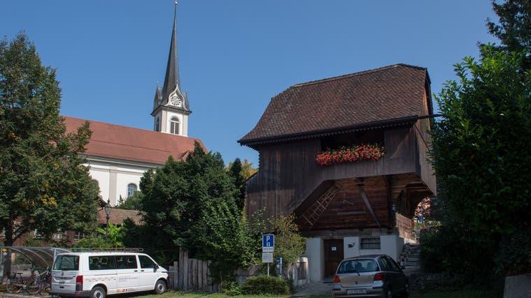 Noch steht der Egli-Zunft-Spycher im Baubereich D. Hier plant die Kirchgemeinde zwei Gebäude mit Wohnungen. (Bild: Boris Bürgisser (13. September 2021))