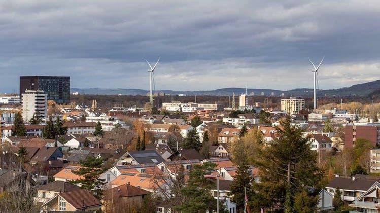 So hätte es aussehen können: die Visualisierung der Windräder in Muttenz – ursprünglich waren sogar zwei Windräder geplant gewesen. (zvg)