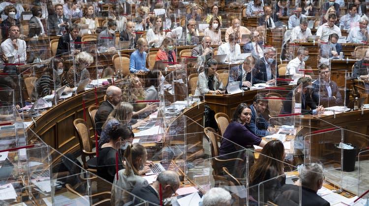 Geht es nach dem Parlament sollen Frauen in Zukunft ein Jahr länger arbeiten. (Keystone)