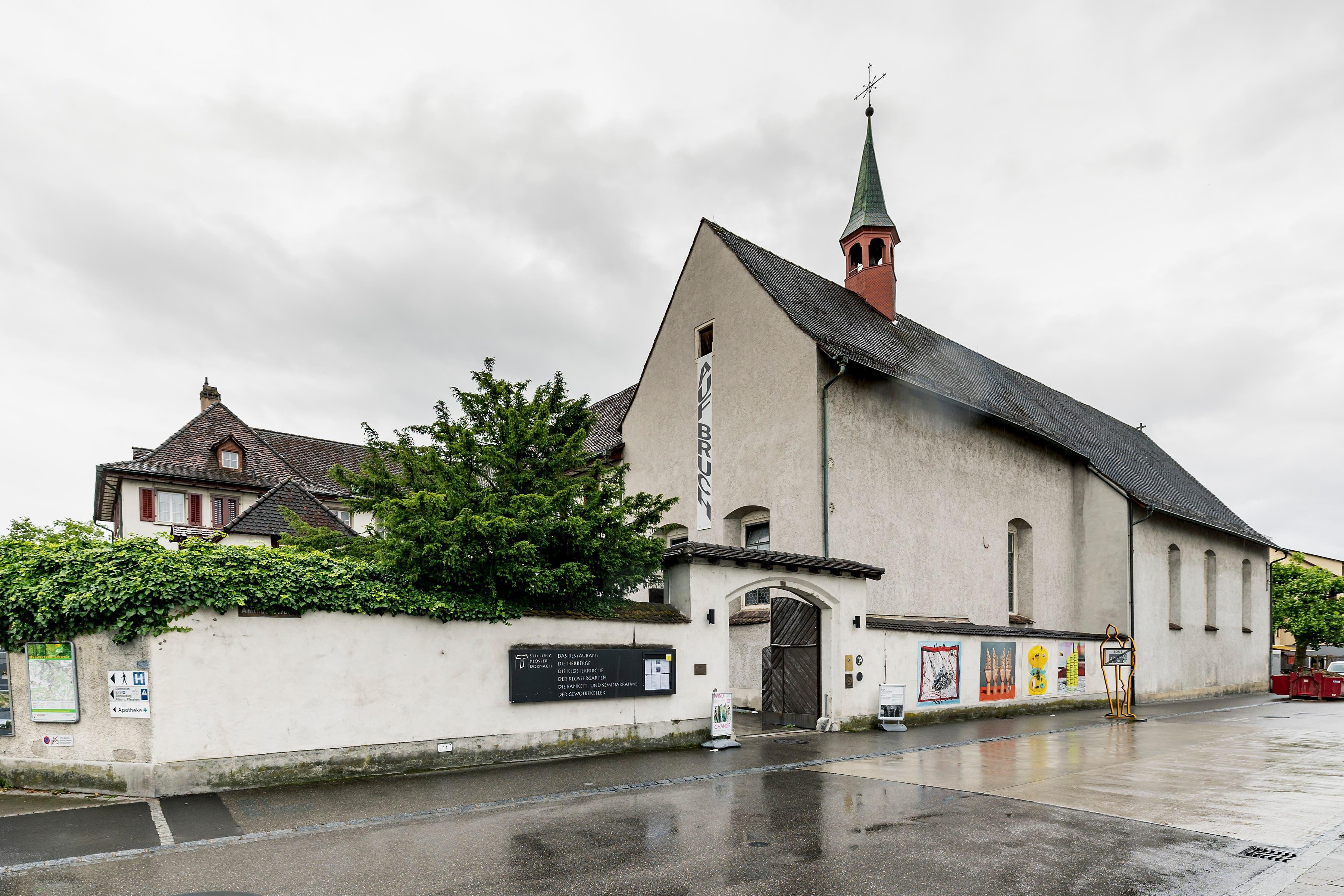 1673 erfolgte die Grundsteinlegung der Kirche und des Klosters, die ersten Kapuziner zogen 1676 ein.