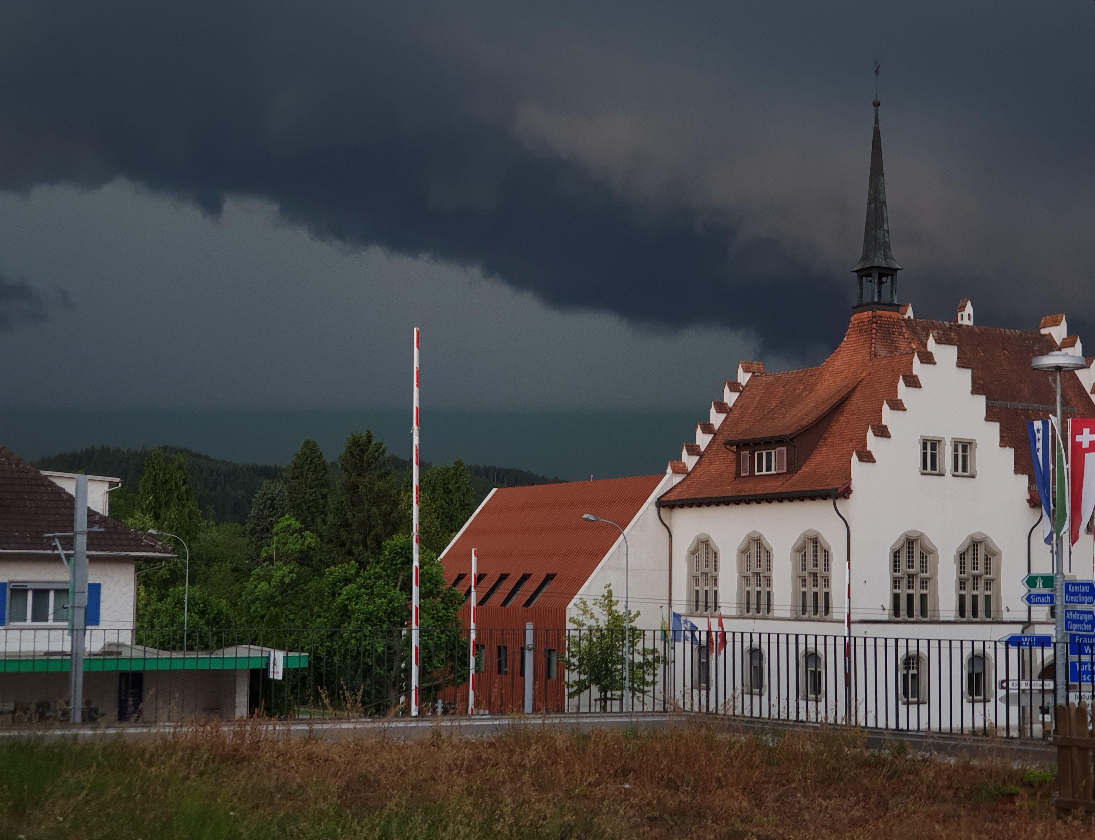 Eine Gewitterfront erreicht Münchwilen.