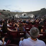 In der Arena di Verona wird grosse Kunst für die Masse geboten. Das geht. (Luca Bruno / AP)