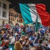 Feuerwerk, Hupkonzert, Birra Moretti und viel Jubelgeschrei: So feiern die Italiener im Aargau den EM-Titel
