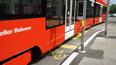 Engpass Schibenertor: Kommt das Trogenerbähnli, haben Velofahrer hier keinen Platz mehr. (Bild: Sandro Büchler (12.07.2021))
