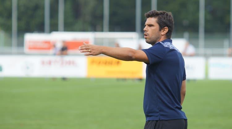 Kümmert sich einmal mehr um die vertragslosen Schweizer Fussballer: Ex-Dietikon-Trainer João Paiva. (Archivbild: Ruedi Burkart)