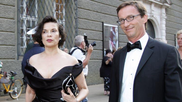 «Black Tie» bei den Salzburger Festspielen: Bianca Jagger und Thaddaeus Ropac beim Eintreffen vor dem Haus für Mozart. (Bild: Leonhard Foeger ©/ Reuters / X00360,THE)