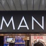 Der Detailhändler Manor geht vermehrt Kooperationen mit bekannten Dritthändlern ein. (Georgios Kefalas / KEYSTONE)