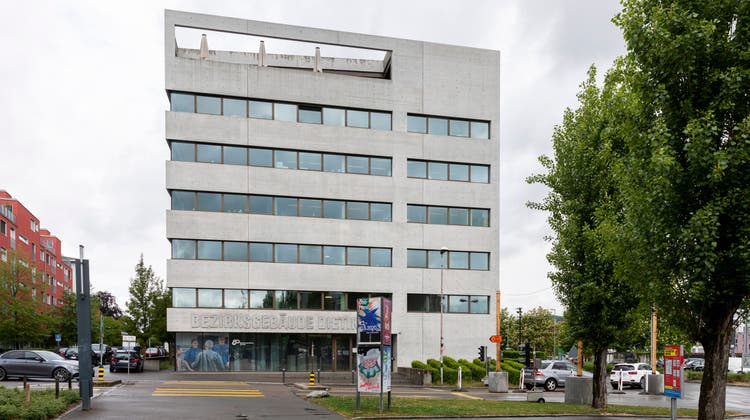Bezirksgericht Dietikon: Hier musste der kosovarische Kredithai antraben. (Severin Bigler)