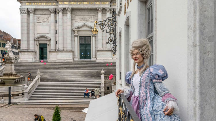 «Madame» Marie-Christine Egger hat viel über die Barockzeit in Solothurn zu erzählen. (Fotoatelier Spring)