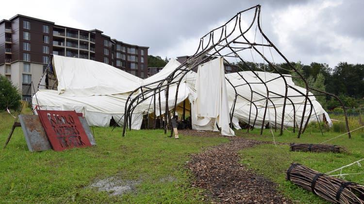 Kaum wiederzuerkennen nach dem Sturm: das Palais des Rigolo Tanztheaters. (Bild: Lara Wüest)