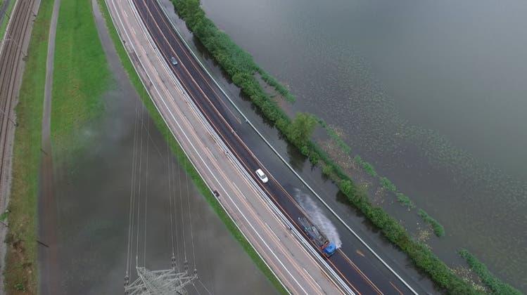 A4 teilweise gesperrt: Hochwassersituation ist angespannt