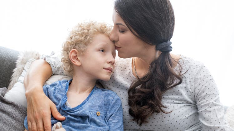 Der Lebensbogen hat sich geschlossen: Margrit Roder (rechts) mit Enkel und dessen Urgrossmutter im Pflegeheim. (Bild: zvg)