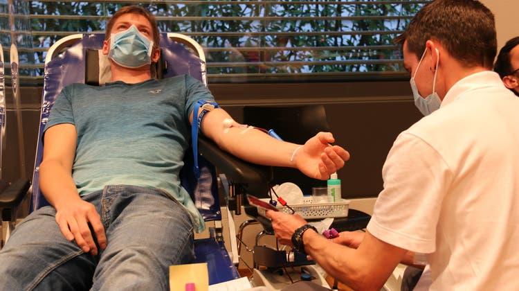 Vor allem jüngere Personen sollen in Zukunft für eine Blutspende gewonnen werden. (Irene Infanger)