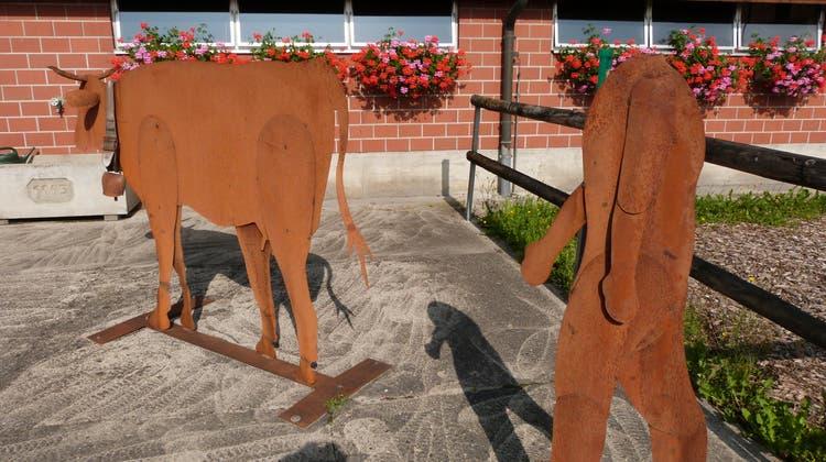 Die metallene Bauernfigur in Aadorf wurde kürzlich von Jugendlichen enthauptet. (Bild: Kurt Lichtensteiger)
