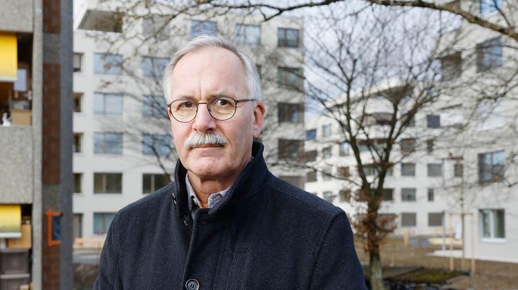 Das Zepter wird innerhalb der SP Zuchwil weitergereicht. Patrick Marti (links) hat von Stefan Hug das Gemeindepräsidium übernommen. (Hanspeter Bärtschi)