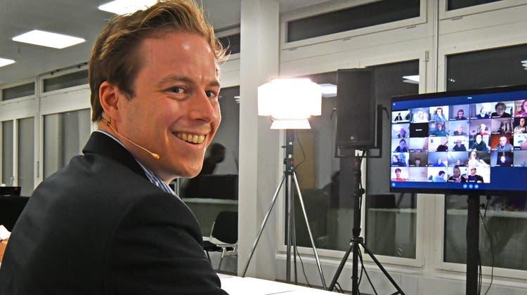 SVP-Mitglied Philippe Ruf war bis Ende Juni Parlamentspräsident. Hier im Bild bei der ersten Online-Sitzung überhaupt des Oltner Gemeindeparlaments Anfang Januar. (Bruno Kissling)