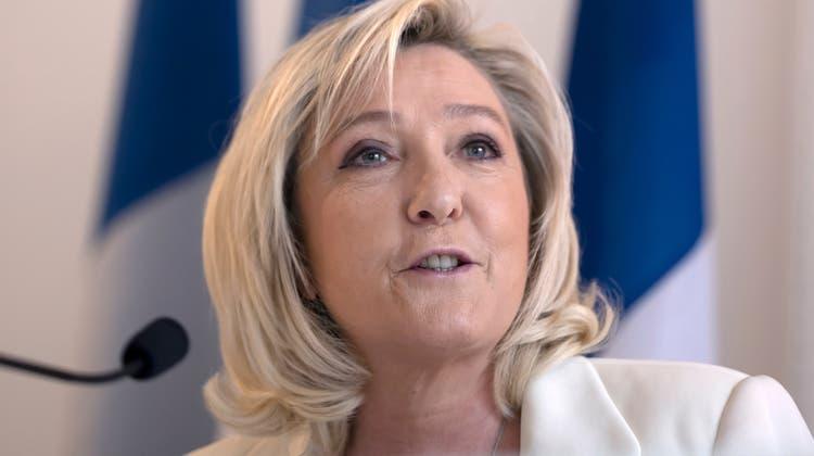Marine Le Pen: Nach der Schlappe bei den Regionalwahlen wächst der Druck auf die Populistin. (Ian Langsdon / EPA)