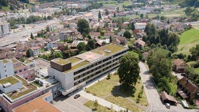In Wattwil gibt es bald weder ein Spital noch ein Zentrum für Spezialpflege. (Bild: Benjamin Manser (20. Juli 2021))