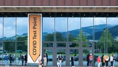 Covid Test Point bei der Allmend. (Bild: Patrick Huerlimann, Luzern, 09. Juli 2021) (Patrick Huerlimann)