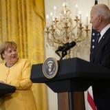 Der US-Präsident Joe Biden sagte vorige Woche im Weissen Haus über die Pipeline Nord Stream 2: «Gute Freunde können unterschiedlicher Meinung sein.» Darüber freute sich Kanzlerin Angela Merkel. (Bild: Alex Edelman / Pool / EPA)